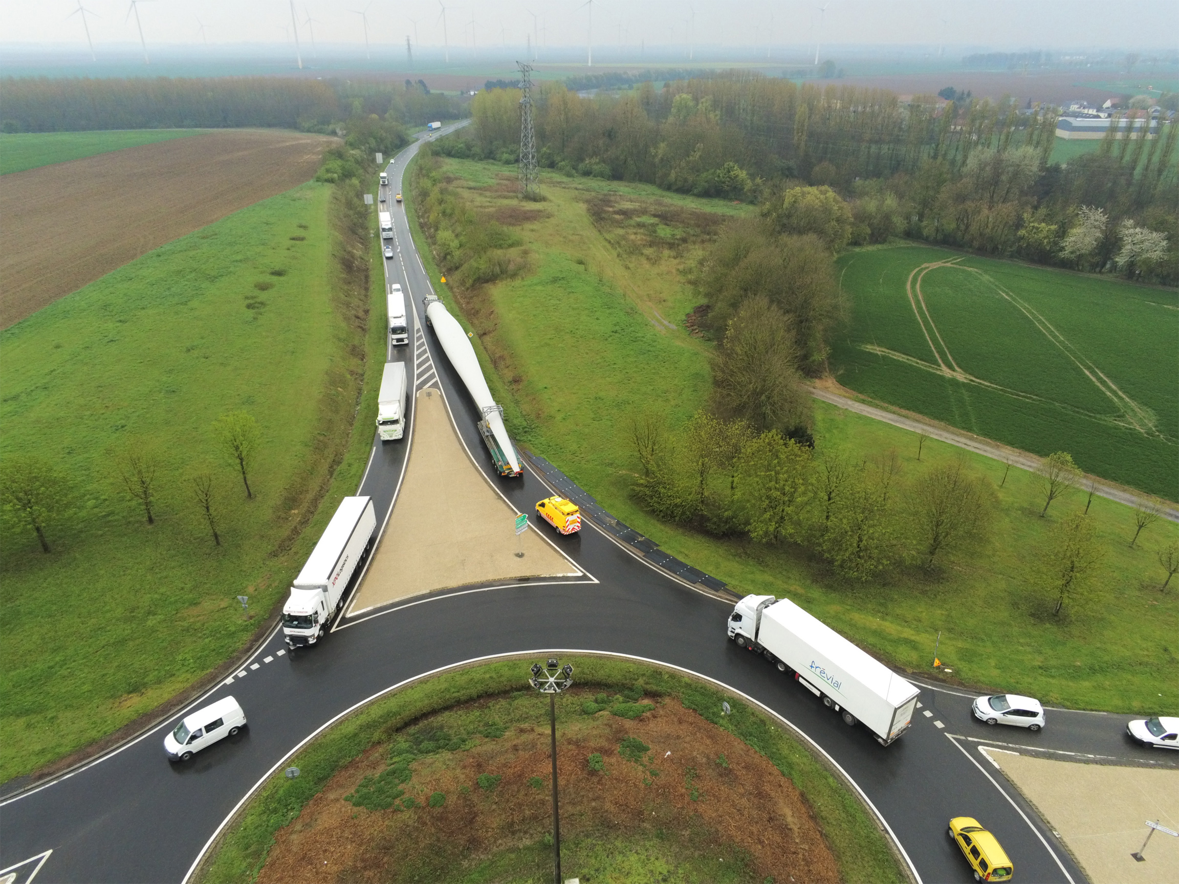 pale-eolienne-transport-beudservices3
